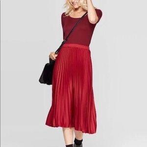 Midi ribbed pleated skirt
